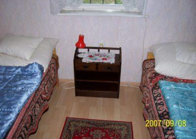 Sikondai apartman - Emeleti 2 ágyas hálószoba