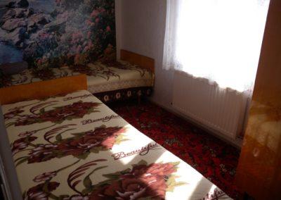 Balatoni apartman - Emeleti kétágyas szoba